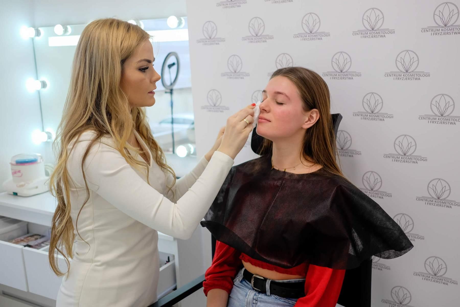Centrum-Kosmetologii-i-Fryzjerstwa-4